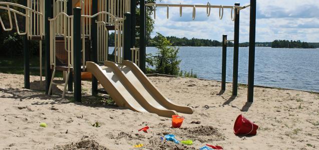 Viamede Banner Schoolsout Viamede Resort