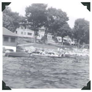 Black-and-white photo of Viamede Resort in the 1950s